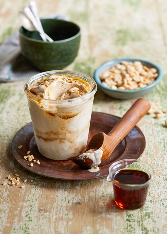 Peanut butter and banana ice-cream