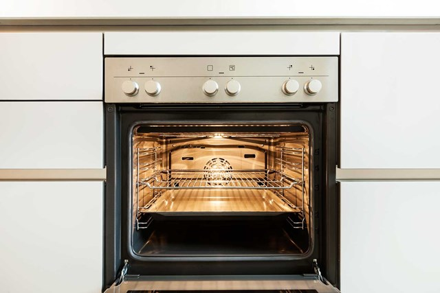 How to clean your oven in 5 minutes better homes and gardens - Clean oven tray less minute ...
