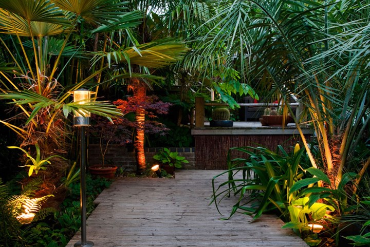7 Ways To Make Sure Your Outdoor Areas Well And Truly Lit Better Homes And Gardens
