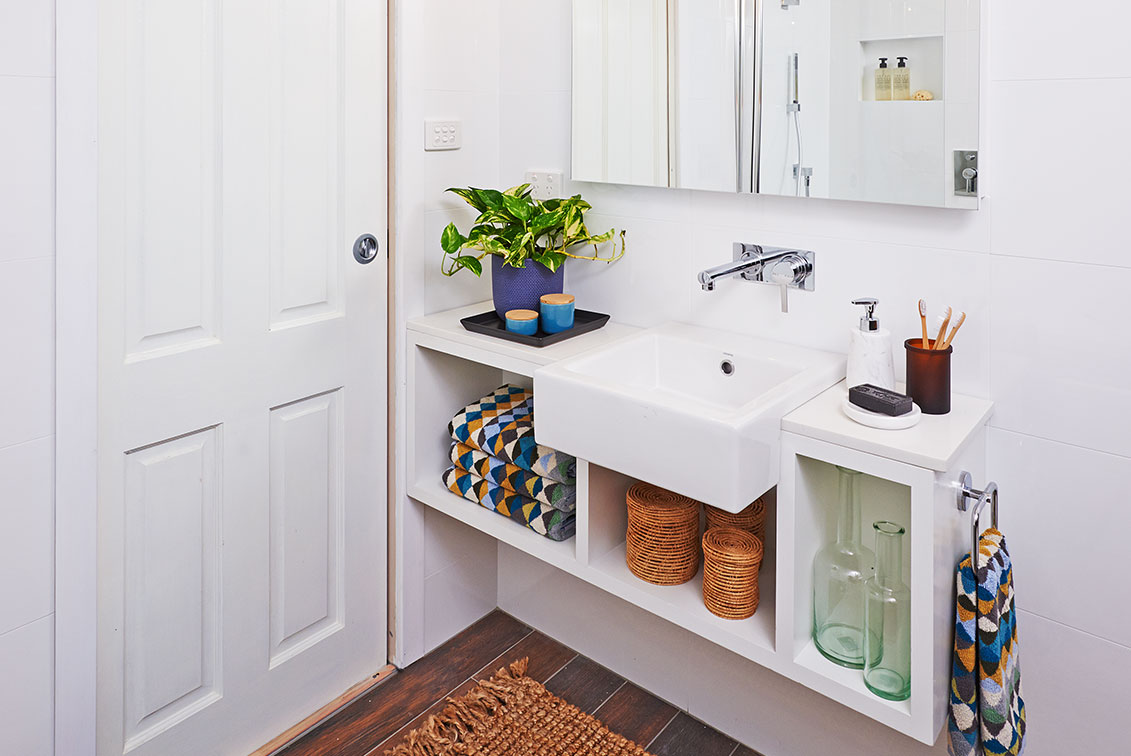 Small Bathroom This Diy Vanity Bench Project Is For You