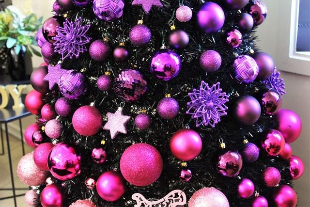 South Australian Mum's Christmas Tree Breaks The Internet