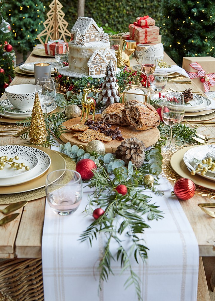 Four Festive Decorating Ideas To Try This Christmas Better Homes And Gardens