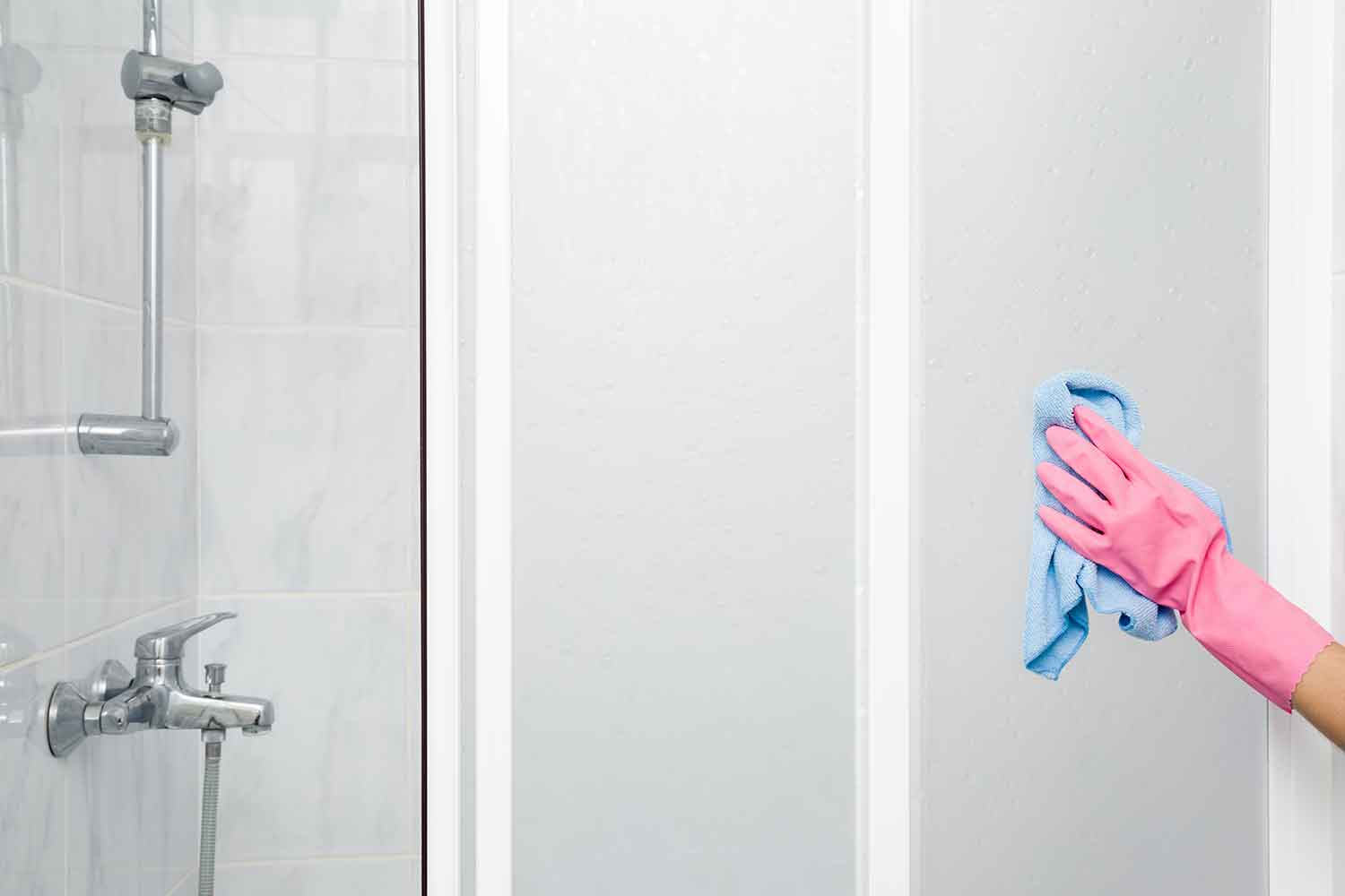 6 Tips To Make Your Shower Doors Sparkle Better Homes And Gardens