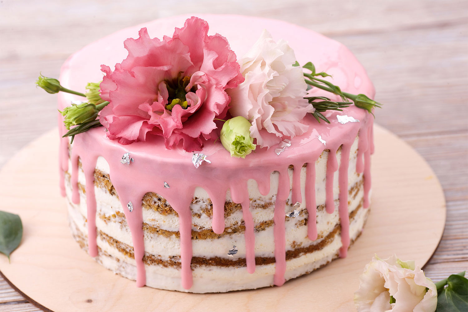 This Cake Decorating Trend Is More Harmful Than You Think