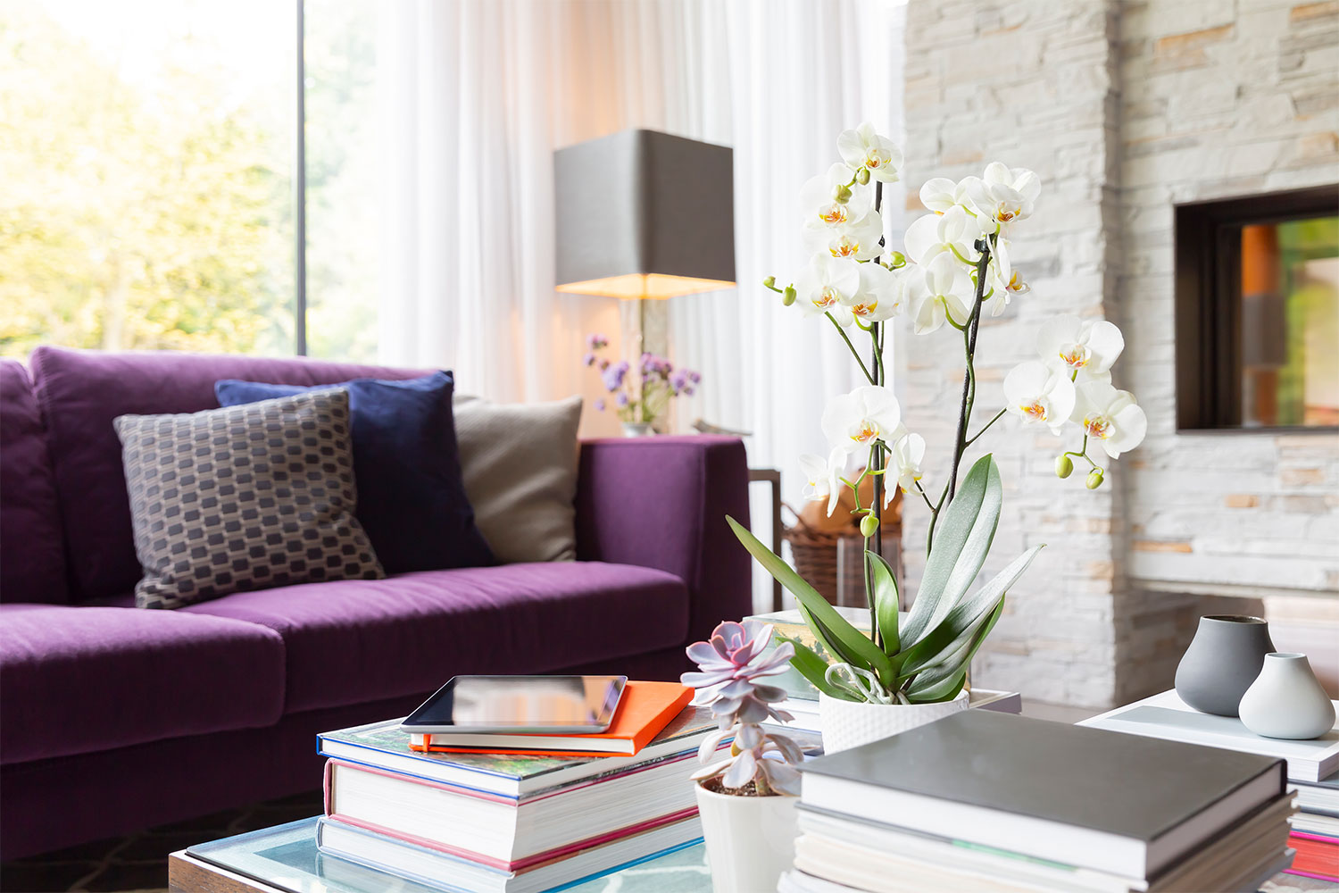 How To Decorate Your Coffee Table: 7 Gorgeous Coffee Table