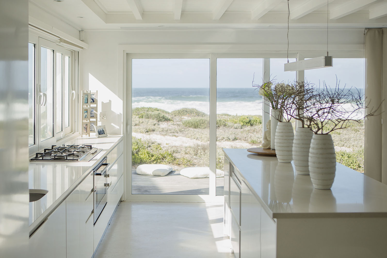 Expert advice on how to do Hamptons style interiors ...