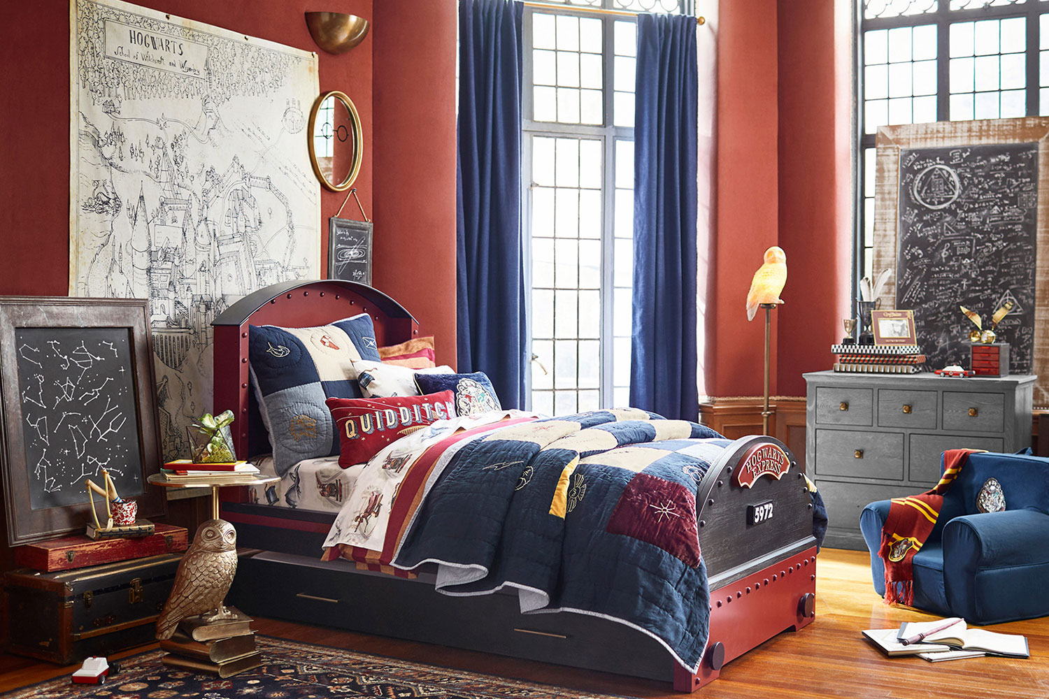 IF YOU LOVE HARRY POTTER THEN COME OVER HERE  161018-potterybarnkidsharrypotter-8