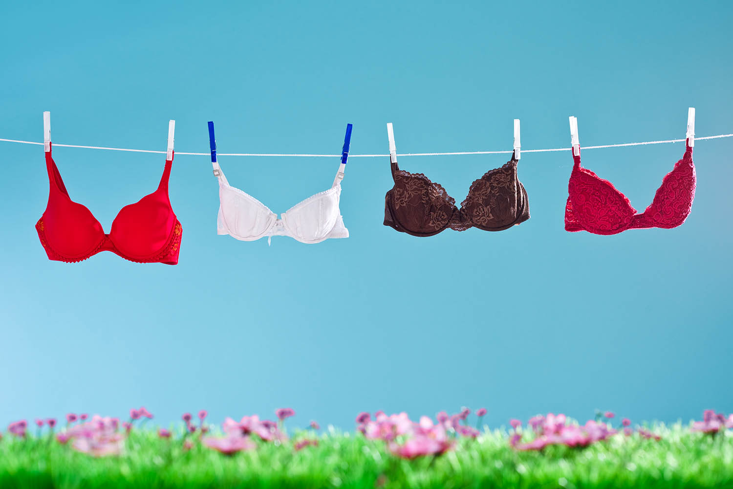 Five signs that you re wearing the wrong bra size  40a4f5590