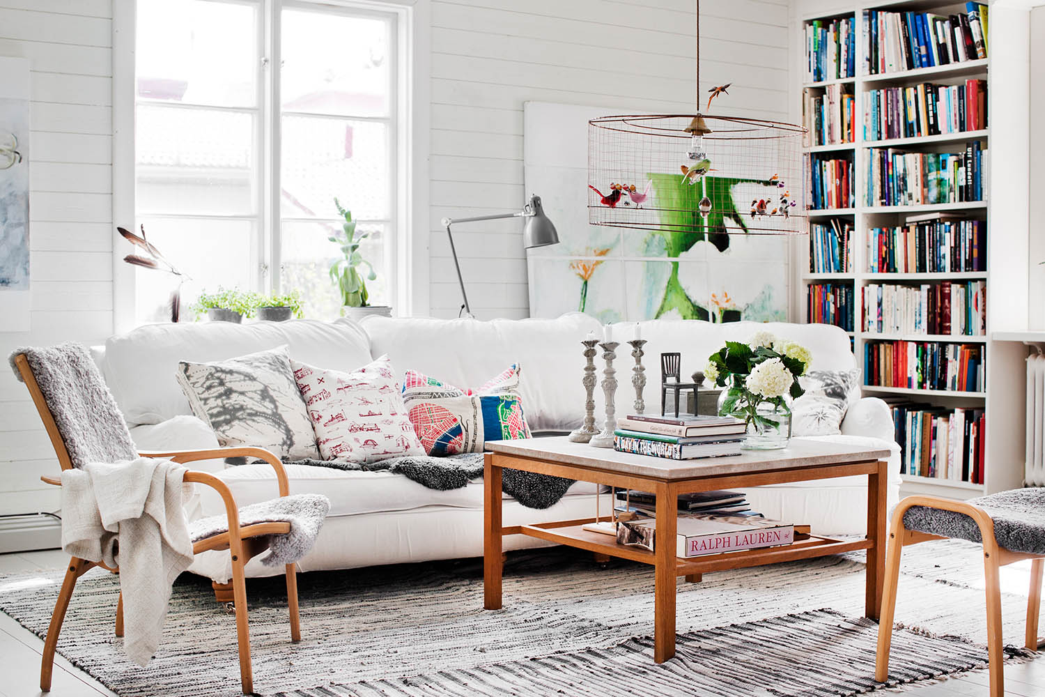 Decorating 101: The Ultimate Guide To Living Room Decor