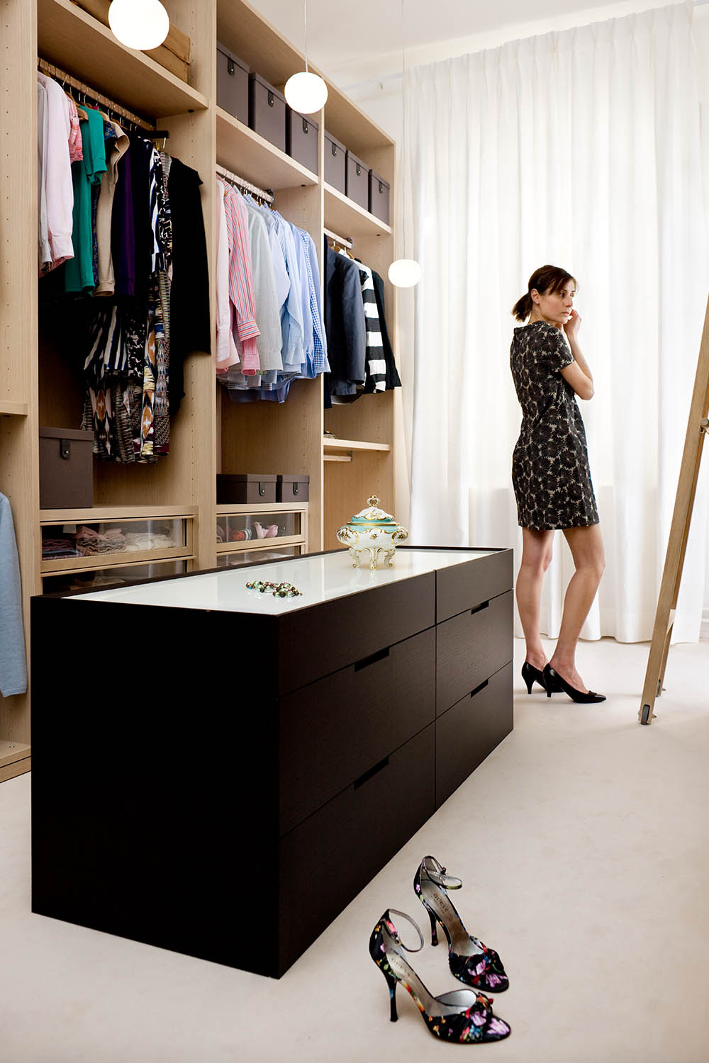 Picture of: Walk In Wardrobe 10 Best Walk In Robe Ideas Designs Better Homes And Gardens
