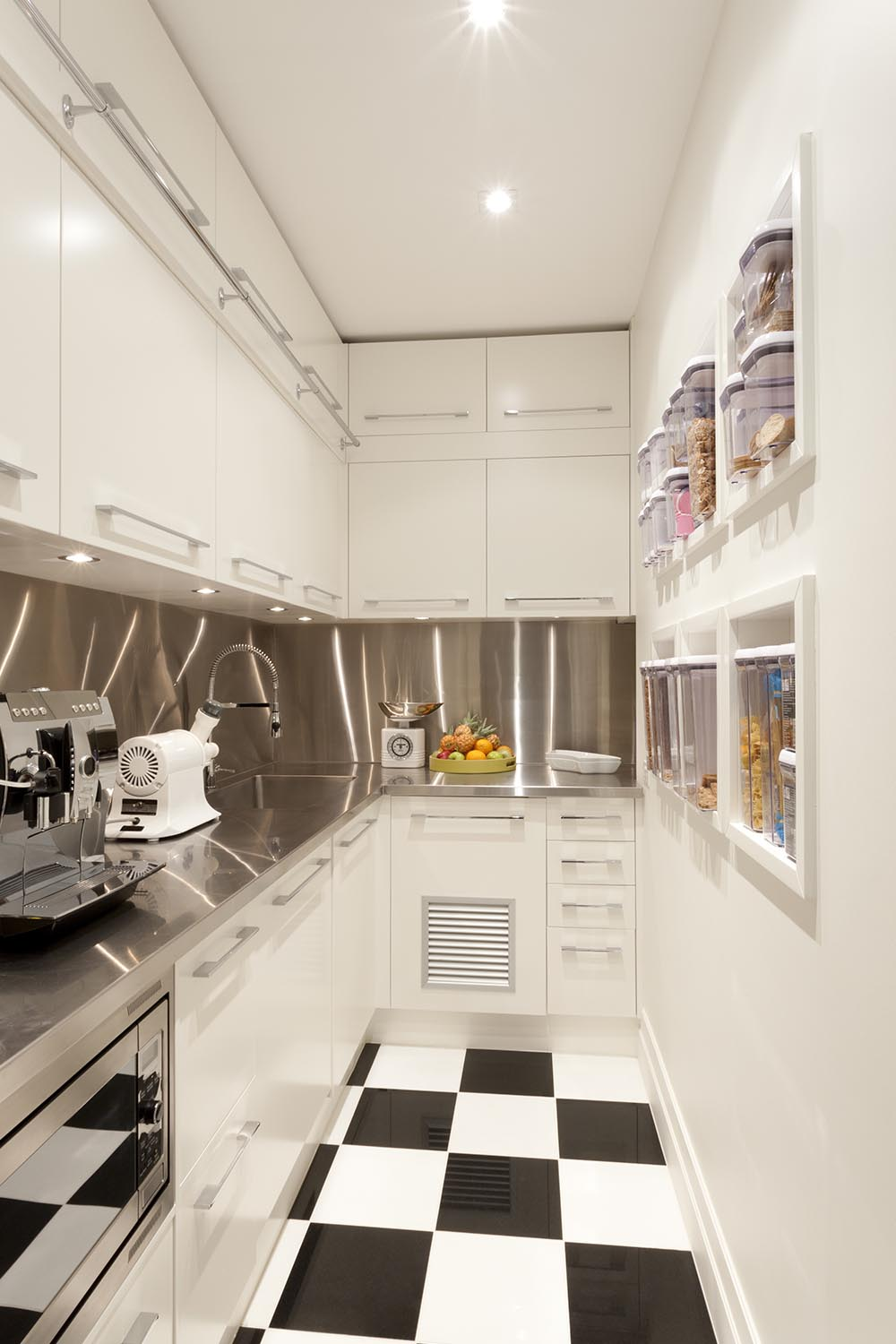 Small Kitchen Design Best Ideas Layouts For Small Kitchens Better Homes And Gardens