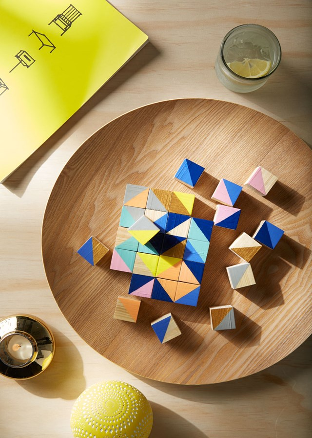 Make this decorative puzzle with wooden blocks
