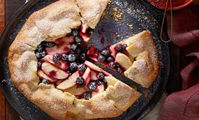 Blueberry and apple crostata