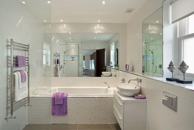 Small bathtubs solve big challenges in bathroom design