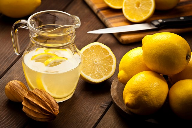 How to juice a lemon without cutting it open