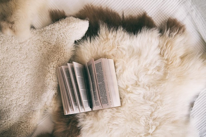Reading before bed can make you happier and healthier
