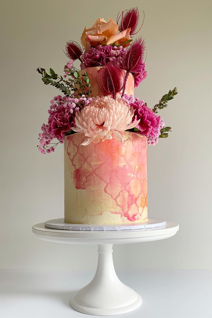 Wedding Cake 26 Top Flavours Prices Ideas Better Homes And Gardens