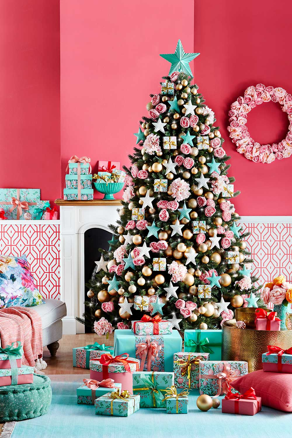 9 Stunning Ways To Decorate Your Christmas Tree Better Homes And Gardens