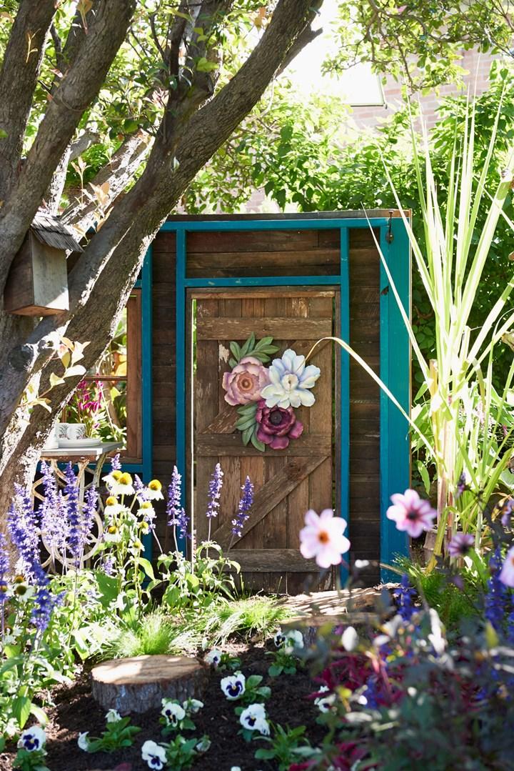 Create A Secret Garden Better Homes And Gardens