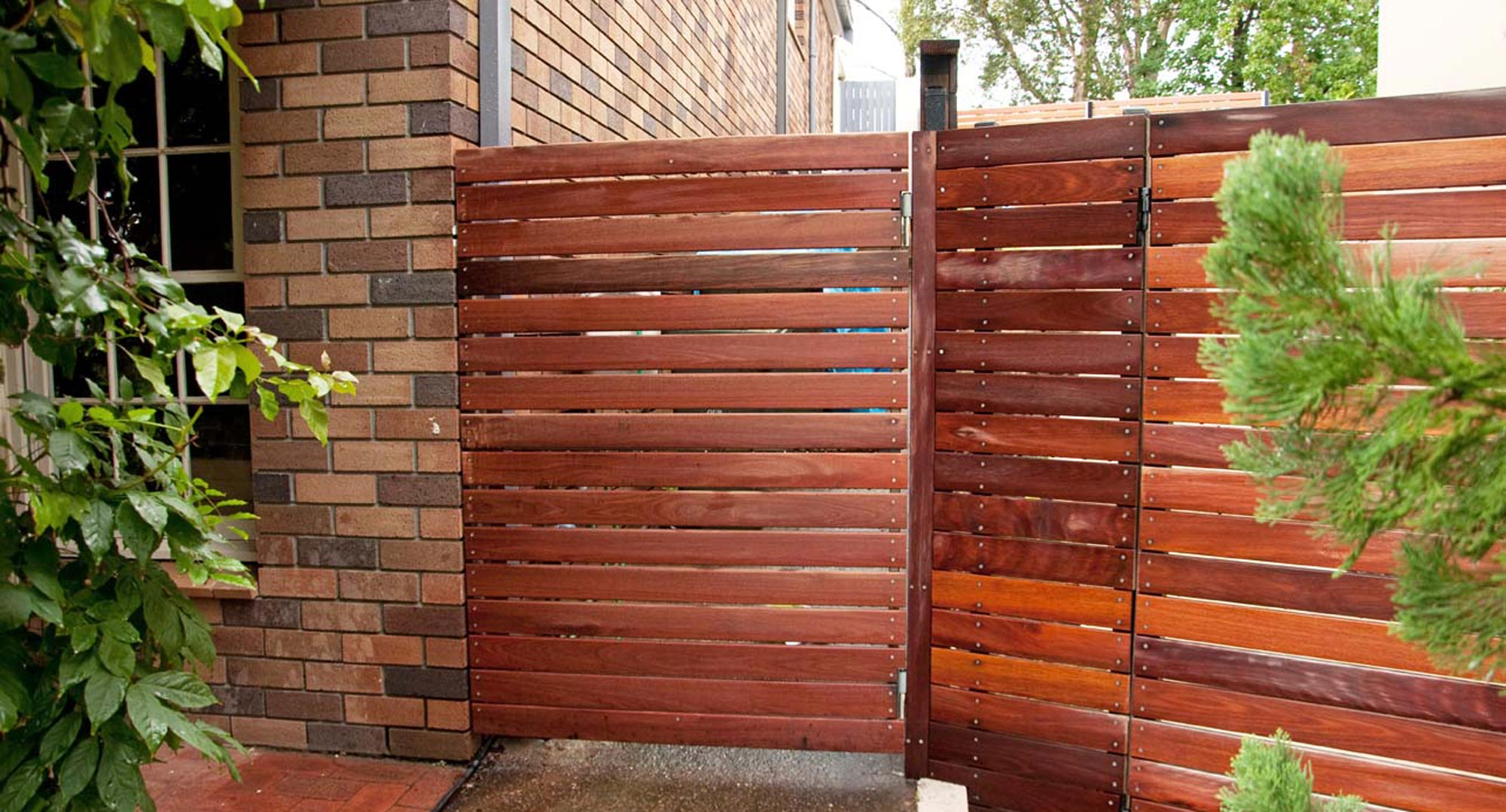 Build your own simple side gate better homes and gardens for Build your own modern home