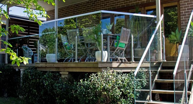 How to make a glass balustrade