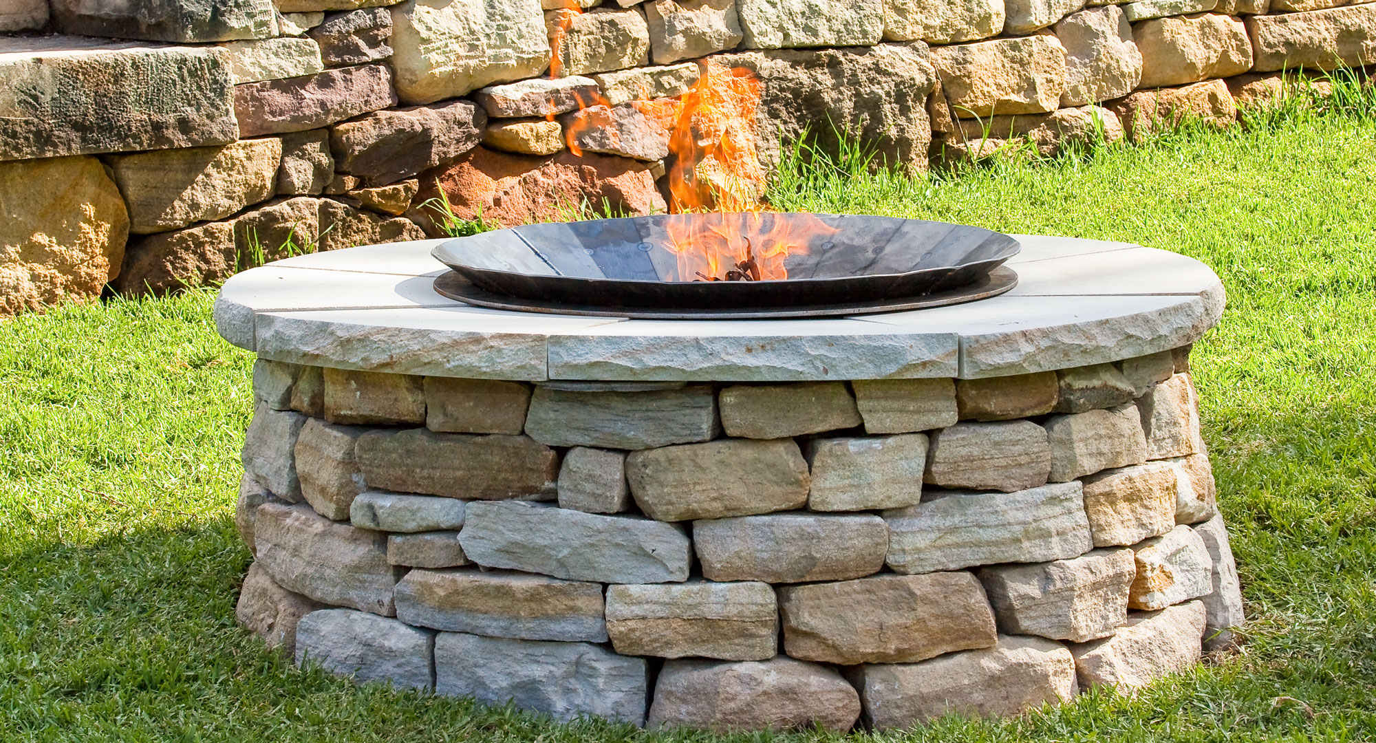 Make your own backyard fire pit better homes and gardens for Better homes and gardens australia episodes
