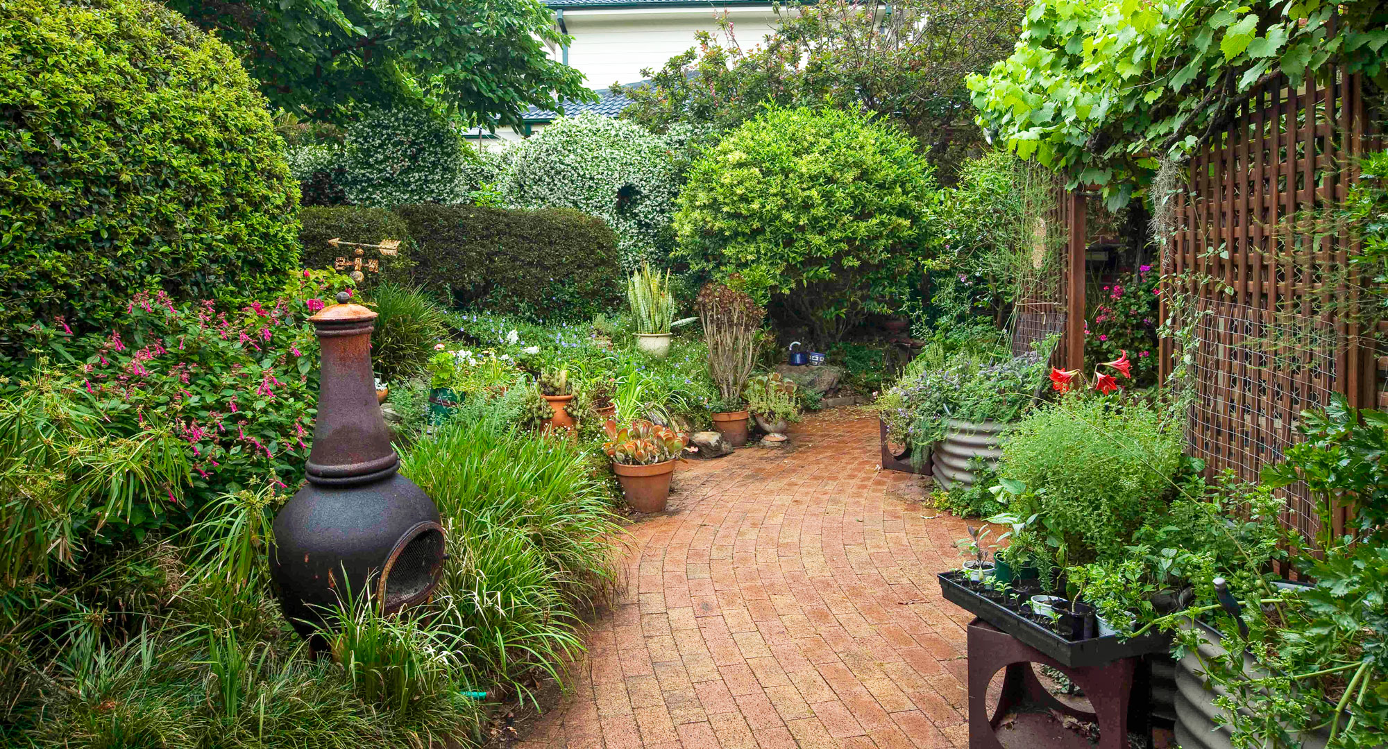 How To Decorate Your Garden With Recycled Objects Better