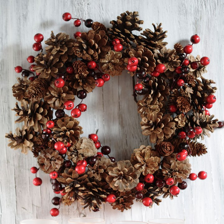 Diy Christmas Decorations 10 Unique Christmas Wreath Ideas Better Homes And Gardens