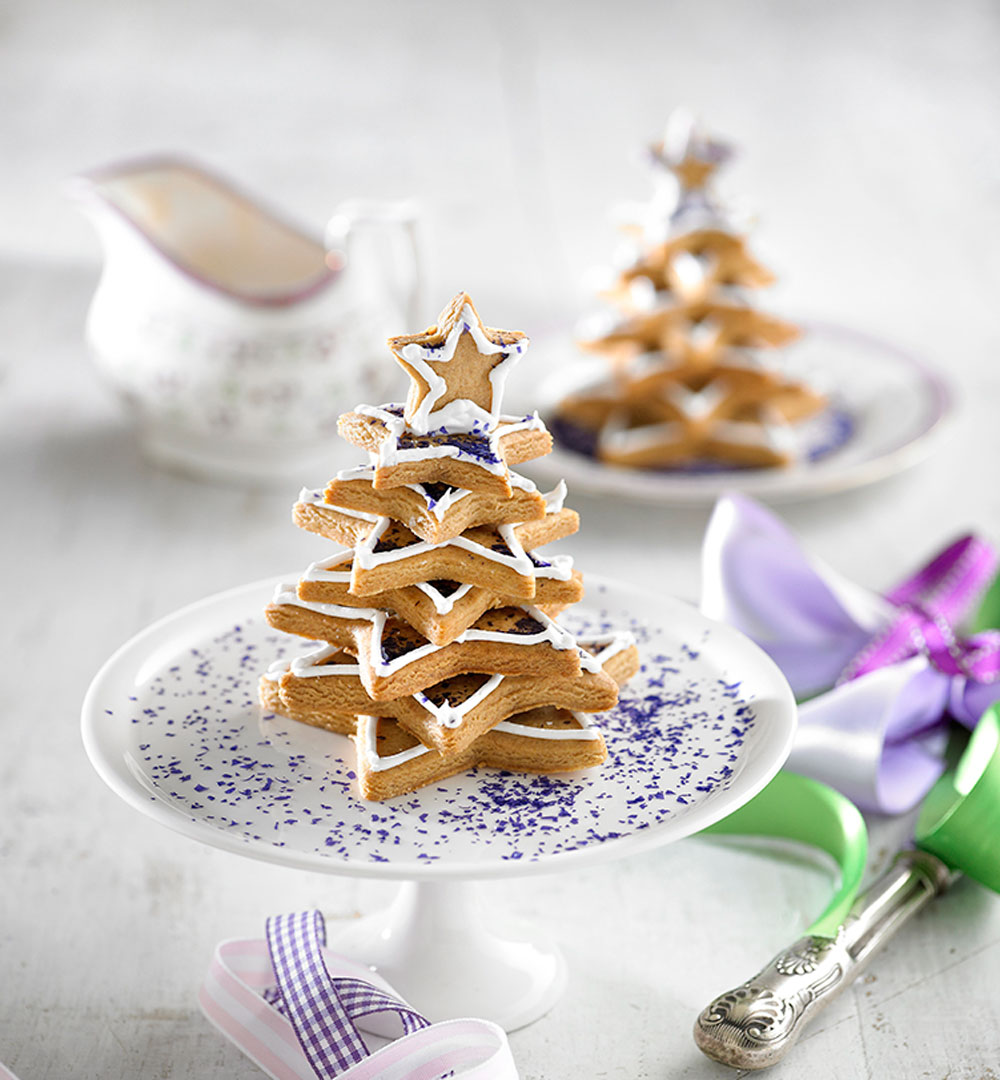 Gingerbread Christmas trees Recipe | Better Homes and Gardens